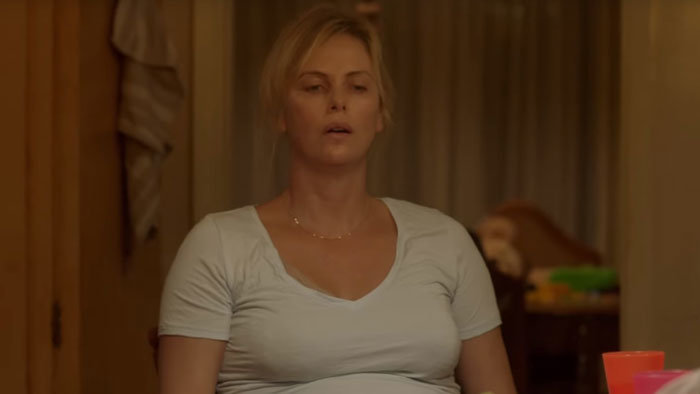 Charlize Theron vo filme Tully