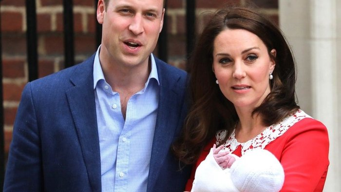 Kate Middleton a princ William po narodení tretieho potomka.