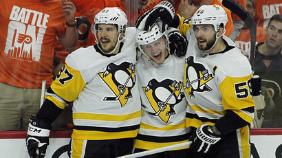 Pittsburgh a Nashville postúpili do 2. kola play off